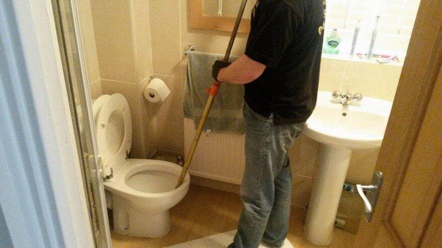 Quels outils sont nécessaires pour les réparations de plomberie?
