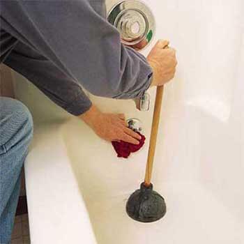 utiliser une ventouse pour déboucher une douche