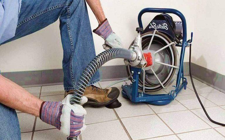 Débouchage canalisation racines / Déboucheur de toilette