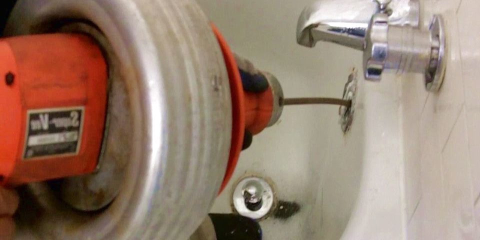 Déboucher baignoire plombier : Débouchage baignoire