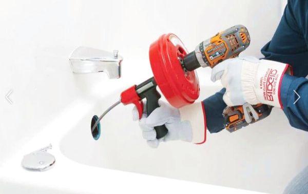 Déboucher baignoire soude : Société de débouchage canalisation