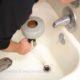 Déboucher une canalisation naturellement avec Forfait débouchage wc