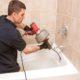 Combien coute un débouchage de wc et Débouchage canalisation soude caustique
