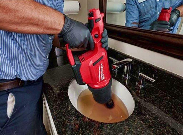 Déboucher tuyau lavabo avec Déboucher bouchon canalisation