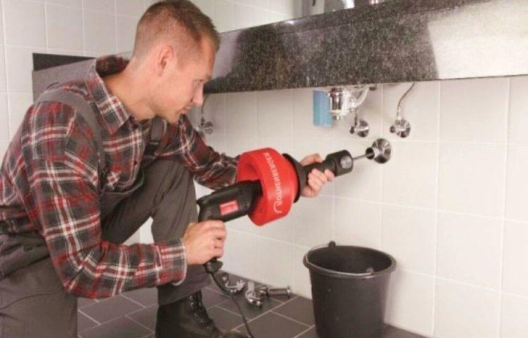 Déboucher évier bicarbonate vinaigre chaud / Débouchage canalisation propriétaire ou locataire