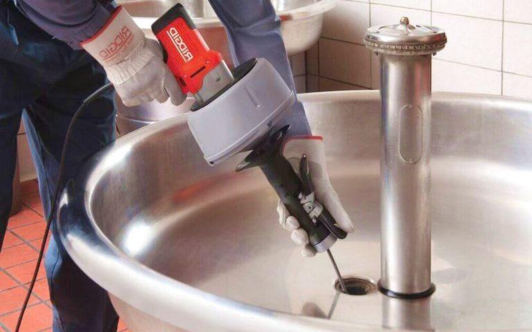 Déboucher lavabo eau bouillante / Débouchage canalisation qui déborde