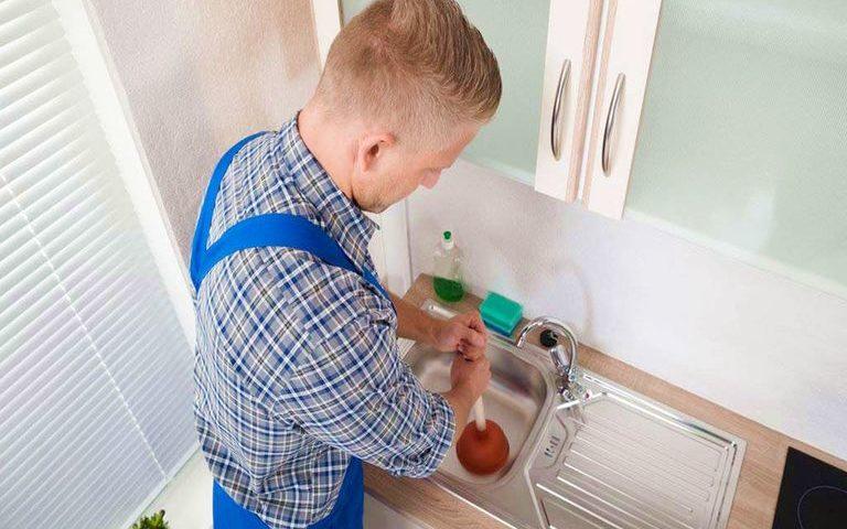 Débouchage siphon lavabo / Débouchage canalisation charge récupérable