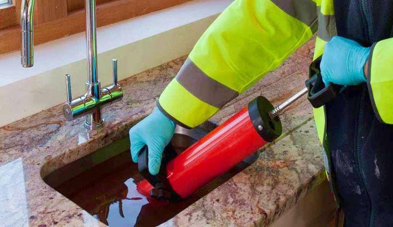 Déboucher évier vomi avec Frais de débouchage canalisation