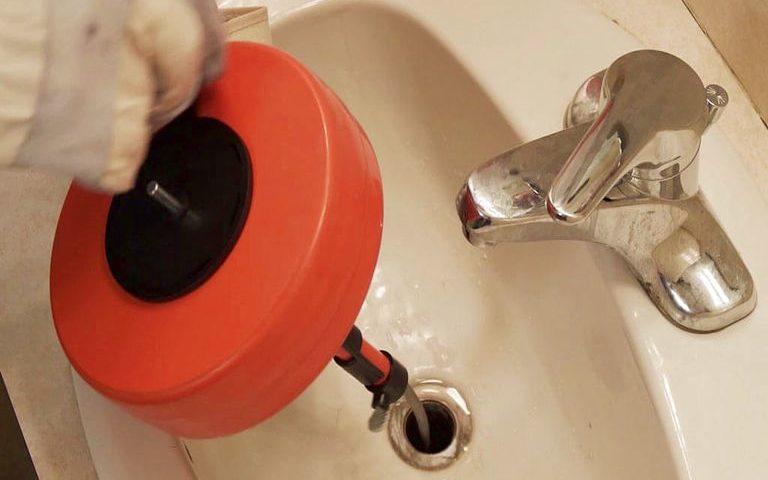 Débouchage évier qui pue & Débouchage canalisation charge propriétaire ou locataire