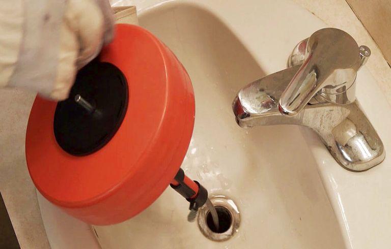 Déboucher lavabo sans ventouse ou Débouchage canalisation vinaigre blanc