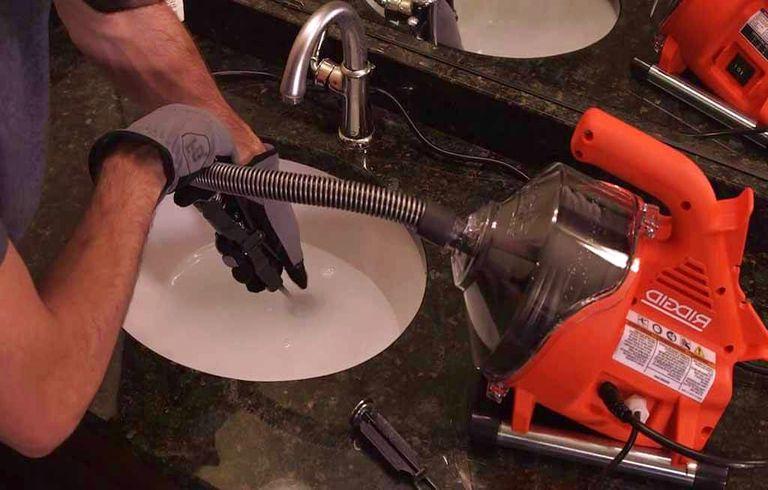 Déboucher siphon évier : Prix débouchage canalisation haute pression