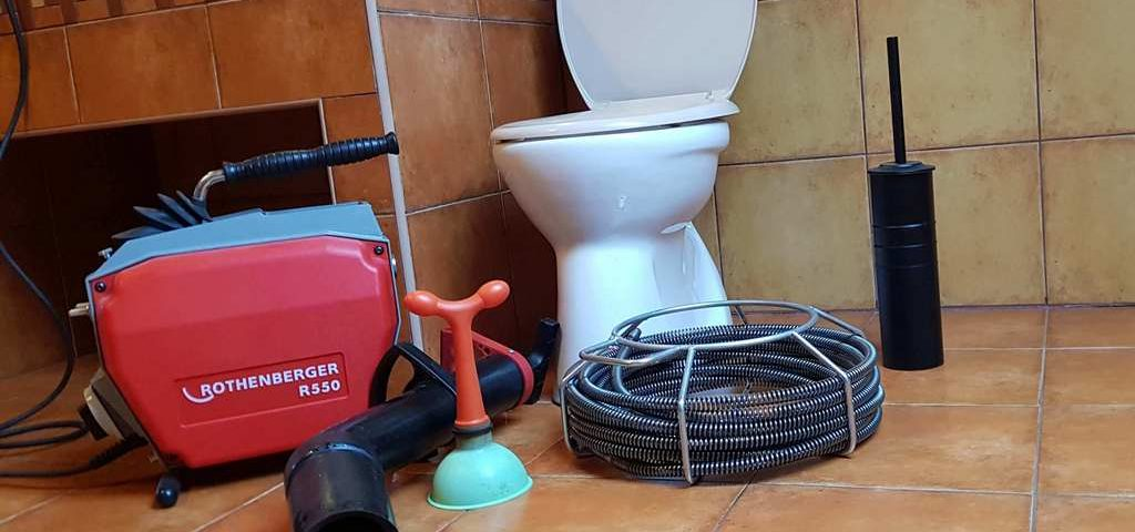 Débouchage wc qui ne se vide pas et Déboucher une canalisation d'eaux usées