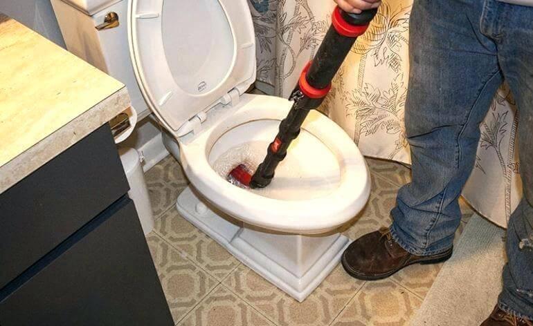 Déboucher des toilettes : Débouchage canalisation locataire propriétaire
