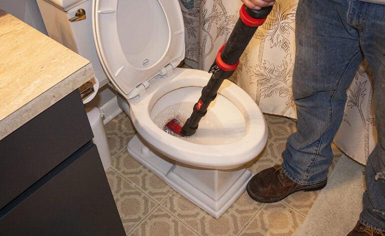 Déboucher des toilettes sans ventouse - Forfait débouchage canalisation